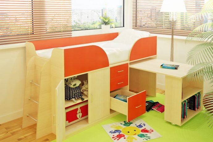 яркая кровать детская чердак в интерьере комнаты фото