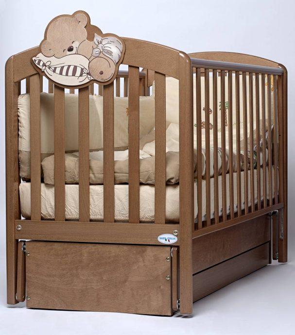 удобная кроватка трансформер маятник для мальчика из массива дерева