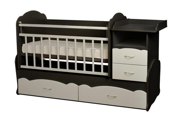 яркая кровать трансформер для ребенка фото