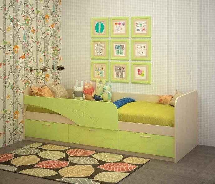 кровать с изображением дельфина в детской комнате