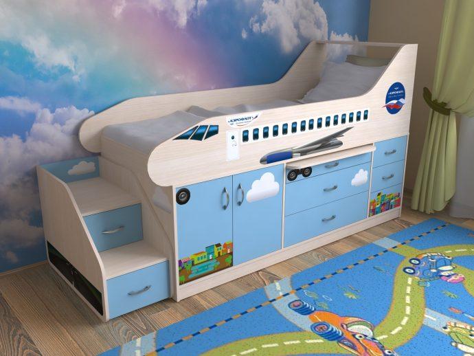 яркая кровать для детей в комнате фото пример