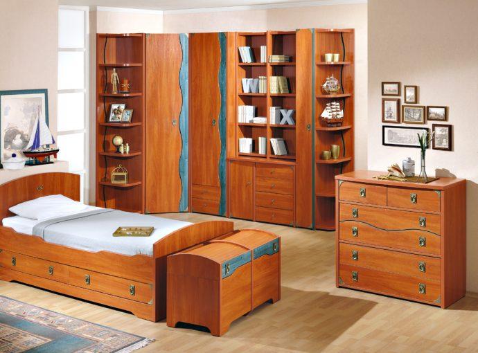 цветная детская мебель для мальчика в детскую комнату фото