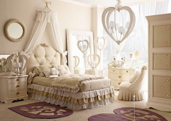 красивая функциональная мебель в детскую комнату для девочки