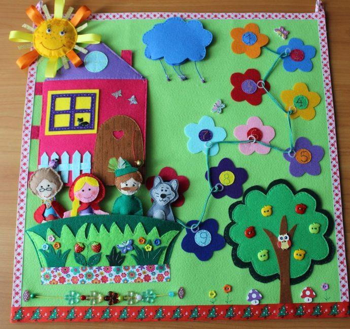 интересный детский коврик со зверьками пример