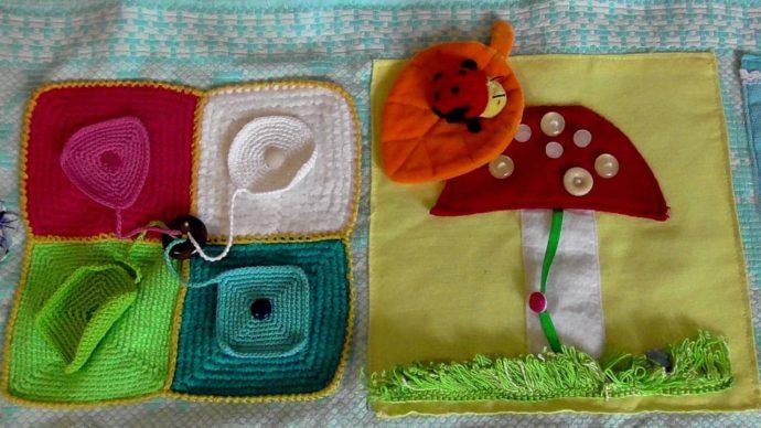 цветной развивающий детский коврик со зверьками фото