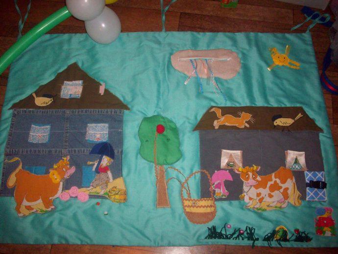 цветной развивающий коврик с машинками пример