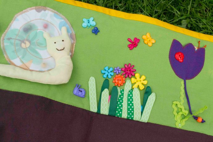 красивый детский коврик с машинками картинка