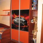 цветной шкаф купе в детскую комнату дизайн