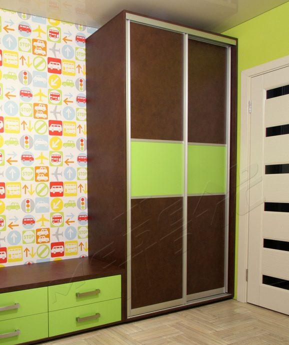 яркий шкаф купе в спальню картинка