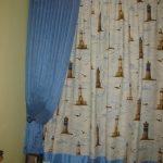 прозрачные шторы в спальню для мальчика в интерьере комнаты дизайн