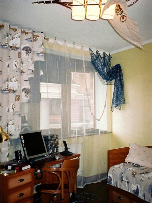 цветные шторы в спальню в интерьере спальни