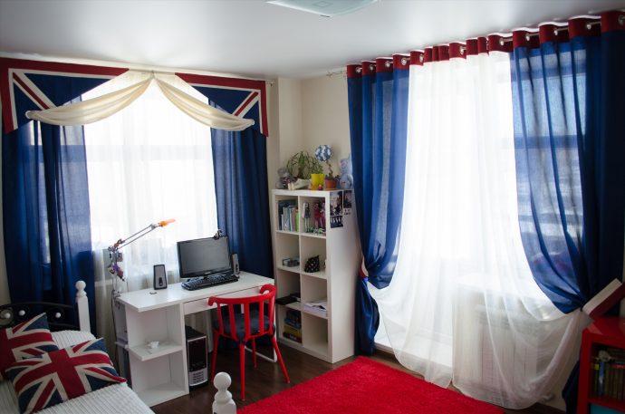 прозрачные шторы в спальню в интерьере комнаты дизайн