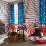 цветные шторы в детскую комнату для мальчика в интерьере дизайн