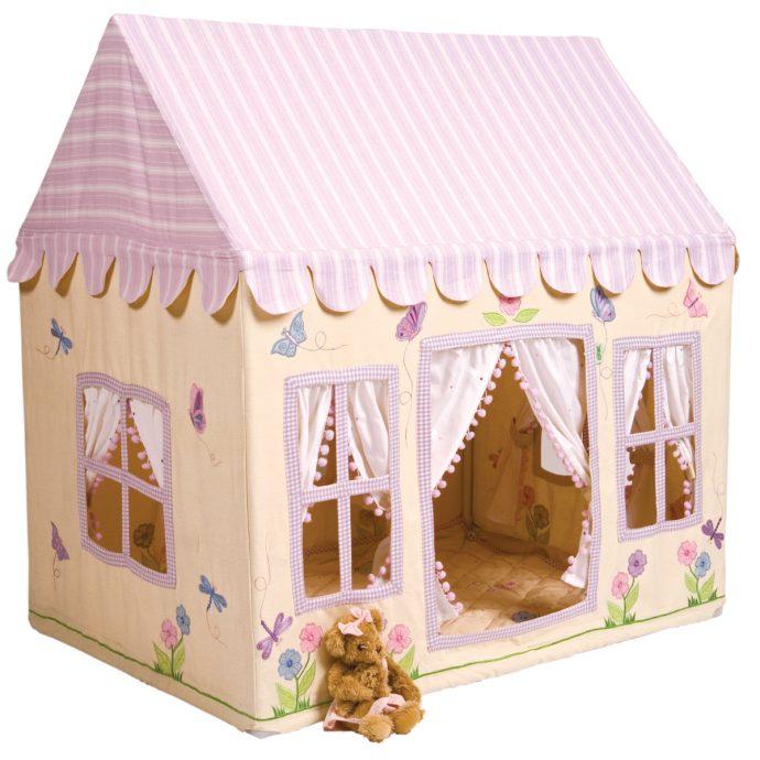 каркас небольшого игрового домика из дерева