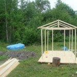 дизайн игрового домика из массива для дачи
