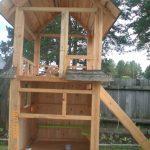 конструкция детского домика из массива для дачи