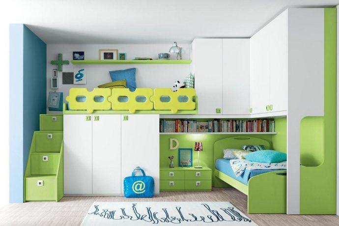 дизайн кровати из массива дерева в интерьере комнаты