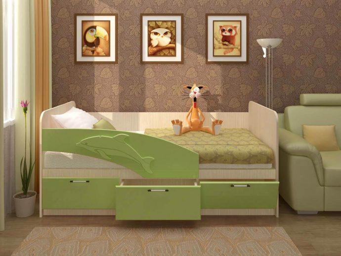 дизайн кровати дельфин для ребенка в ярких тонах