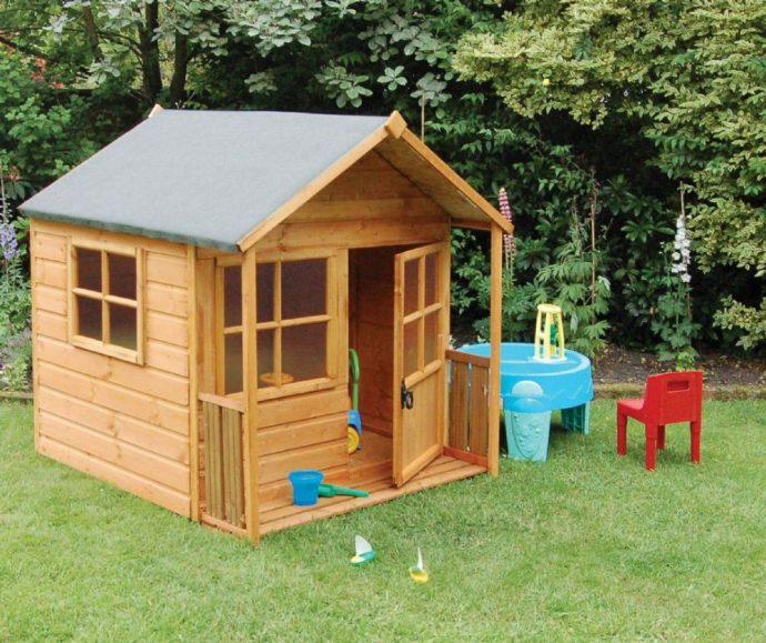 дизайн небольшого детского домика из дерева