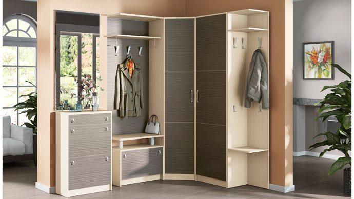 установленный шкаф в комнате