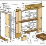 деревянная кровать в комнате