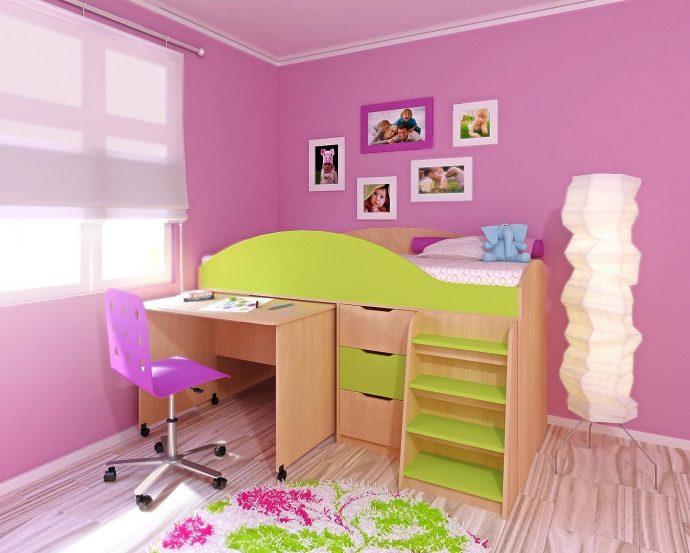 яркая кровать чердак в дизайне комнаты