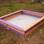 фото детской песочницы на даче с сиденьями