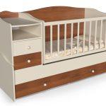 маленькая детская кроватка для ребенка пример