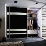 готовый шкаф светлый в прохожей