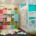 дизайнерское решение детской комнаты для нескольких детей