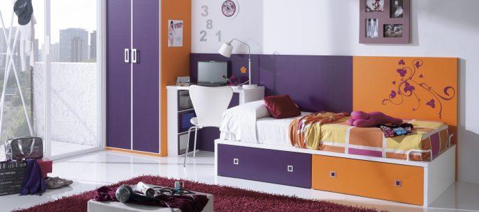 пример кроватки трансформера с выдвижным комодом