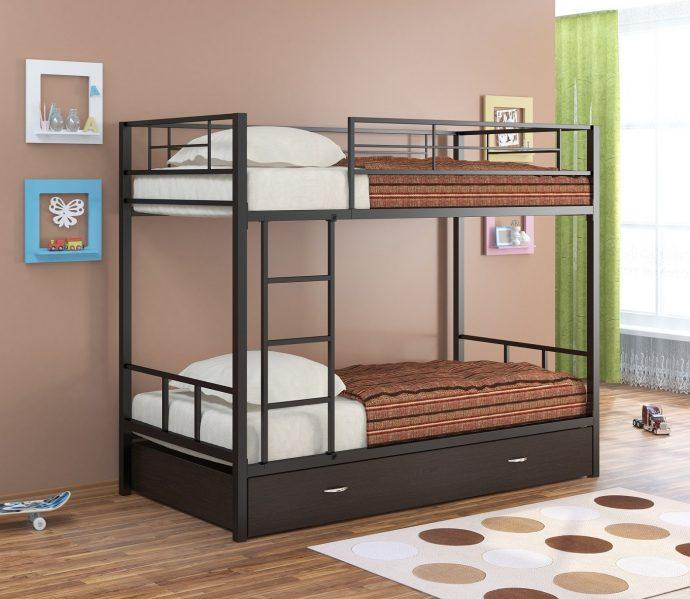 дизайн кровати из дерева в спальне