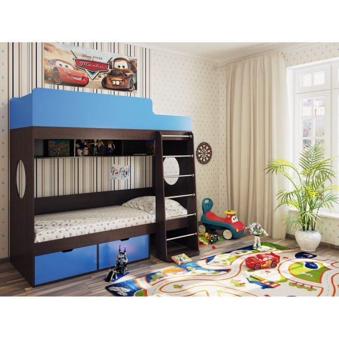 интерьер детской кровати деревянная в комнате