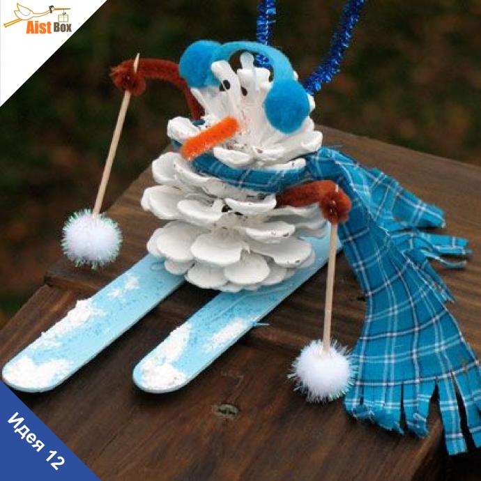 веселая игрушка животное из елки и шишки сделанная вручную фото