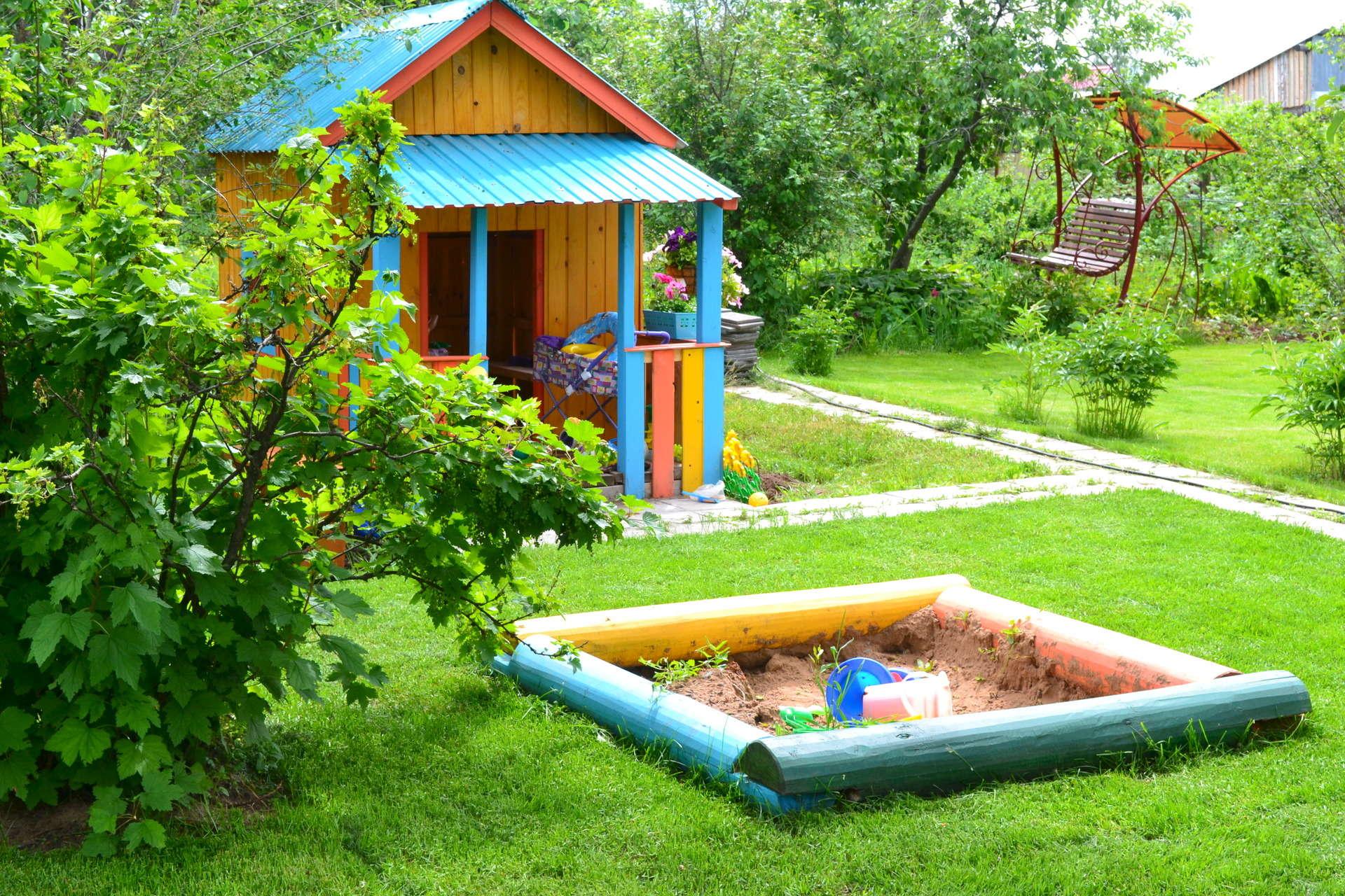 Зона отдыха на даче для детей фото