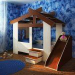 качественная детская кровать из подручных материалов в интерьере пример конструкции