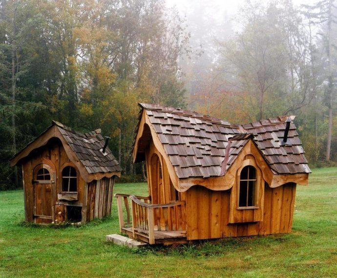 каркас большого детского домика из массива дерева