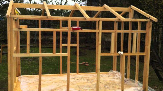 Детскую площадка на даче из подручных материалов