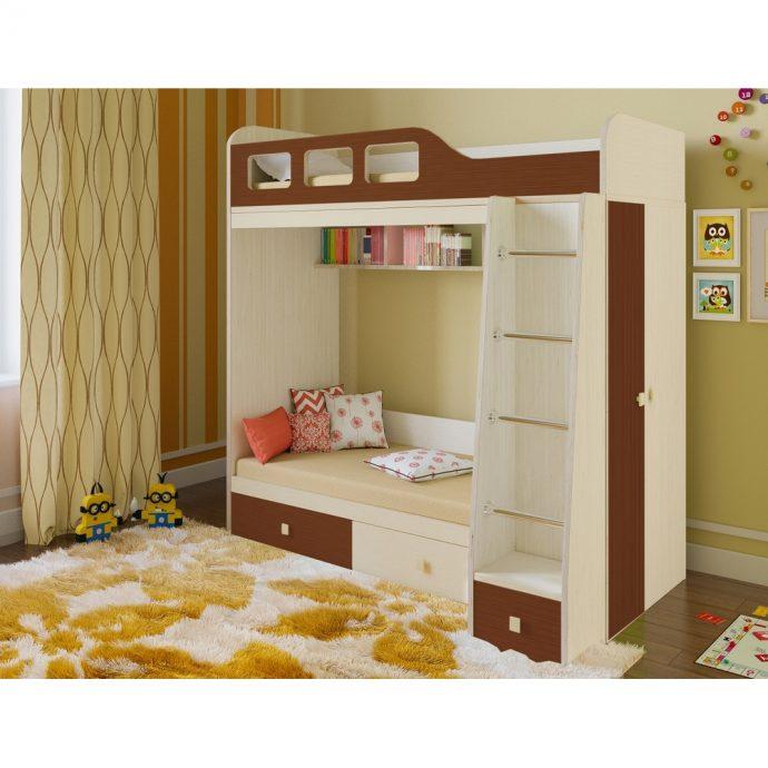 дизайн двухъярусной кровати деревянная в интерьере комнаты