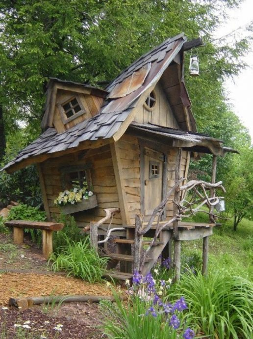 каркас большого детского домика из дерева