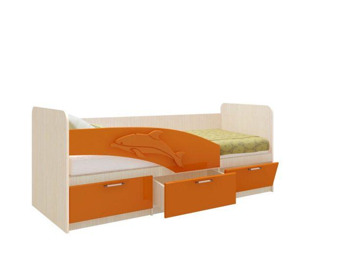 комплект кроватки для малыша в светлых тонах