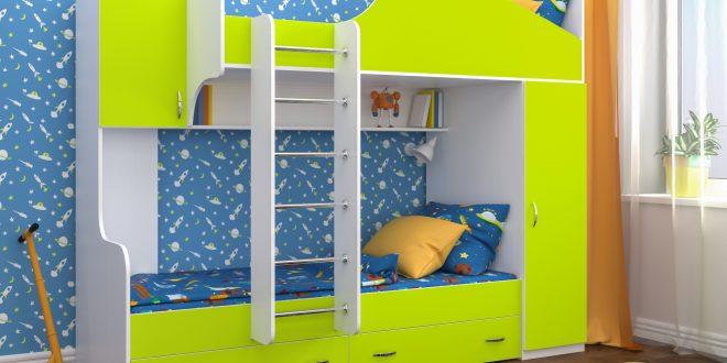 интерьер двухъярусной кровати деревянная в комнате