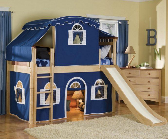 дизайн двухъярусной кровати деревянная в комнате