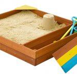 конструкция детской песочницы на даче с сиденьями