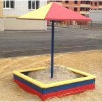 монтаж песочницы во дворе без зонта