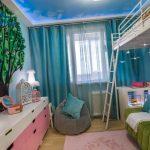 яркая детская комната для двух мальчиков пример дизайна фото