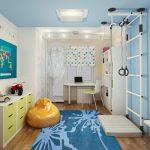 яркая комната для мальчика небольших размеров фото