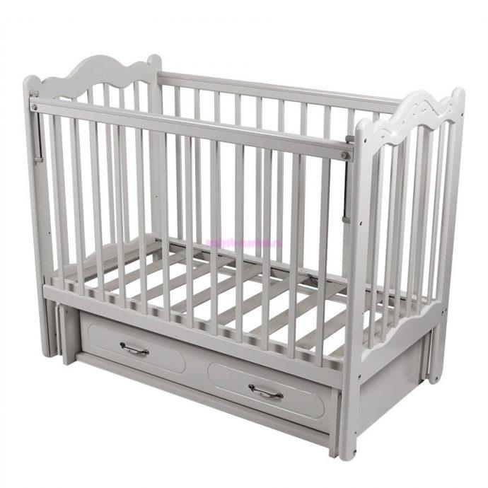 удобная детская кроватка трансформер маятник для мальчика из дерева