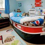 красивая детская кроватка в интерьере