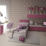 светлая мебель в детскую комнату для девочки пример